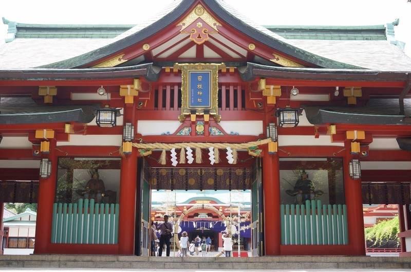 日枝神社 - 千代田区/東京都 の見どころ。#神門 赤... by 凜蔵   Omairi(おまいり)