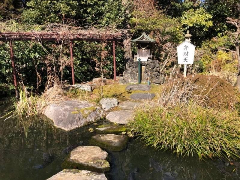 大聖寺 - 土浦市/茨城県 の見どころ。大聖寺の庭にあ... by zilch | Omairi(おまいり)