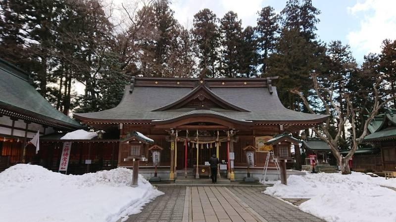 駒形神社 本社 - 奥州市/岩手県 の見どころ。雪が残... by mimisora4884 | Omairi(おまいり)