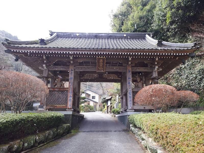 龍昌寺 - 遠賀郡岡垣町/福岡県   Omairi(おまいり)
